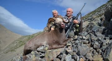 Kolyma Hunting Outfitters – Russian Brown Bear, Bighorn Sheep, Snow Sheep, Moose and Polar Wolf Hunts.