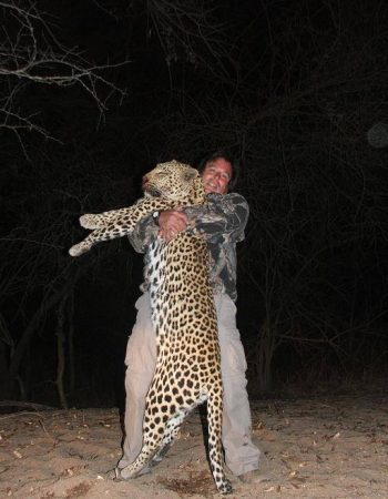 South Africa Hunting Safari – Rifle and Bow-Hunting Safaris for Plains Game, Waterfowl and Wingshooting Trips in South Africa 2022 2023