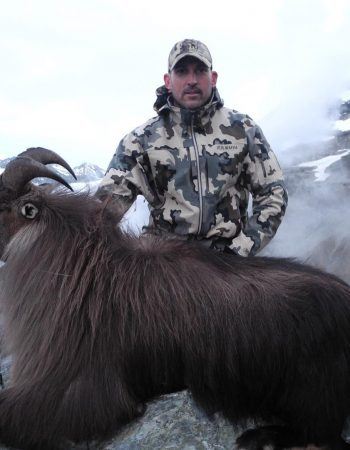New Zealand Hunting Outfitters – Luxury Hunting Lodge for Remote, Free Range Fair Chase Hunts for Red Stag, Tahr, Chamois and Fallow Deer