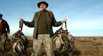 Argentina Luxury Hunting Lodge – Corporate Wingshooting Outfitters and All-Inclusive Big Game Hunting Trips