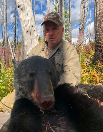 BC Guide Outfitters -Big Game Hunts for Timber Wolf, Cougar, Black Bear, Moose, Elk, Mountain Goat, and Whitetail Deer in British Columbia Canada